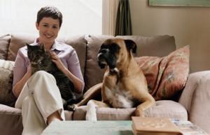 padrone di cane e gatto in appartamento di condominio